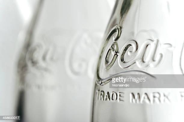 coca cola bottle - pepsi stock-fotos und bilder