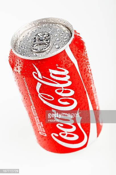 Coca-Cola peut isolé sur fond blanc