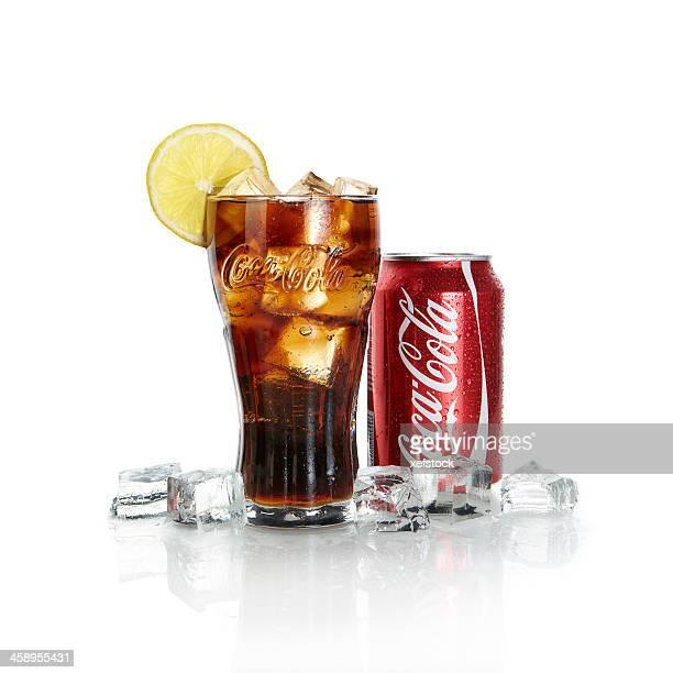 Coca-Cola y hielo.