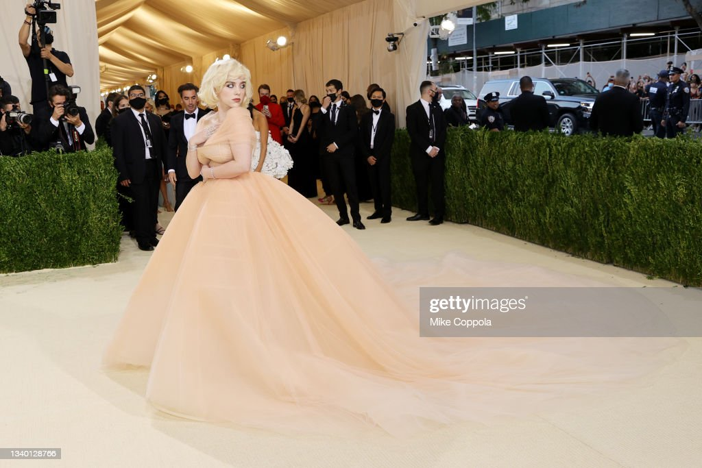 Co-chair Billie Eilish attends The 2021 Met Gala Celebrating In... ニュース写真 - Getty Images