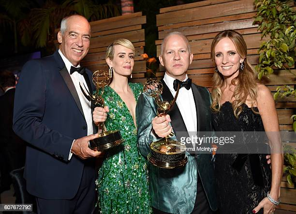 CoChairman and CEO Fox Television Group Gary Newman Actors Sarah Paulson Ryan Murphy and CoChairman and CEO Fox Television Group Dana Walden attend...