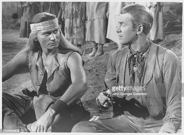 Cochise agrees to peace talks with Tom Jeffords in the 1950 western Broken Arrow.