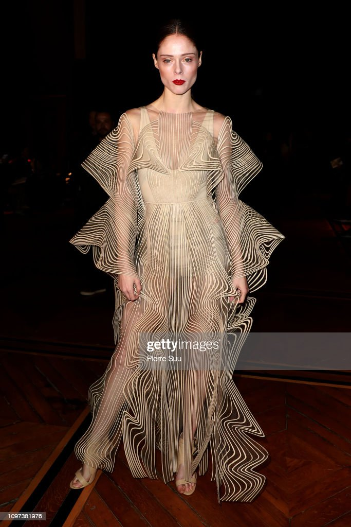 Iris Van Herpen : Front Row - Paris Fashion Week - Haute Couture Spring Summer 2019 : News Photo