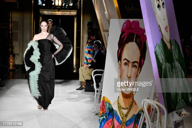 Coco Rocha walks the runway at the Christian Siriano Ready to Wear Spring/Summer 2020 fashion show during New York Fashion Week on September 07 2019...