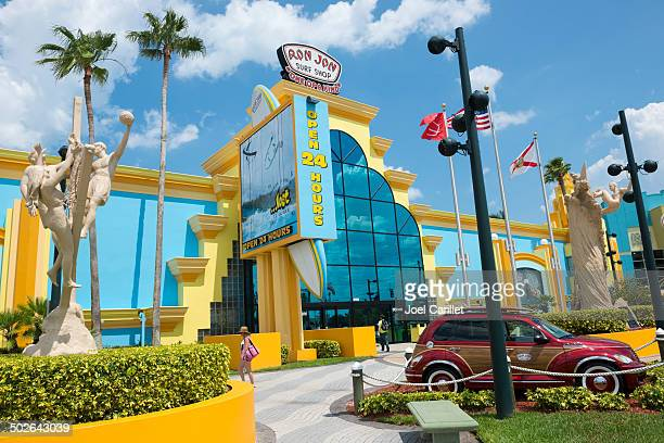 cocoa beach and ron jon surf shop - cocoa beach stock pictures, royalty-free photos & images