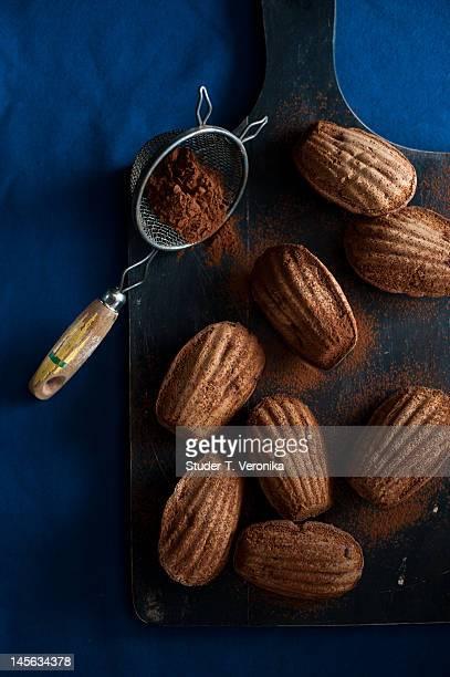 Cocoa madeleines