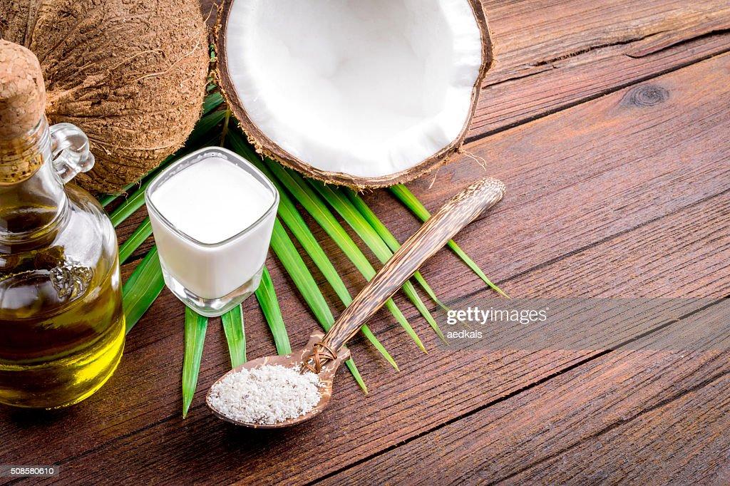 Lait de coco et de l'huile de noix de coco : Photo