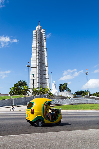 Cocotaxi passes the Jose Marti memorial - gettyimageskorea