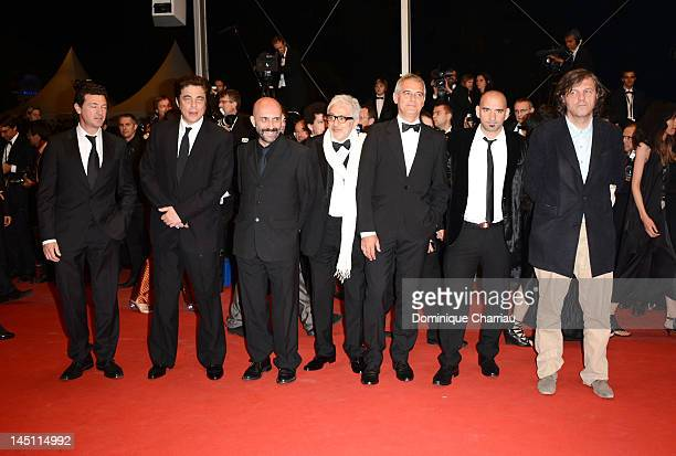 CoDirectors Julio Medem Benicio Del Toro Gaspar Noe Elia Suleiman Laurent Cantet Pablo Trapero and Emir Kusturica of '7 Dias En La Habana' attend the...