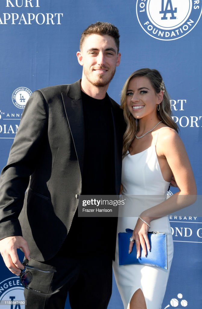 5th Anniversary Los Angeles Dodgers Foundation Blue Diamond Gala - Blue Carpet : News Photo