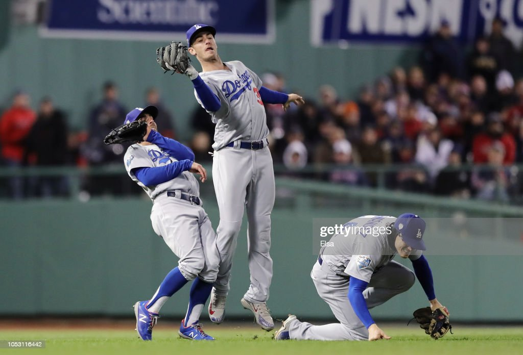 World Series - Los Angeles Dodgers v Boston Red Sox - Game Two : News Photo