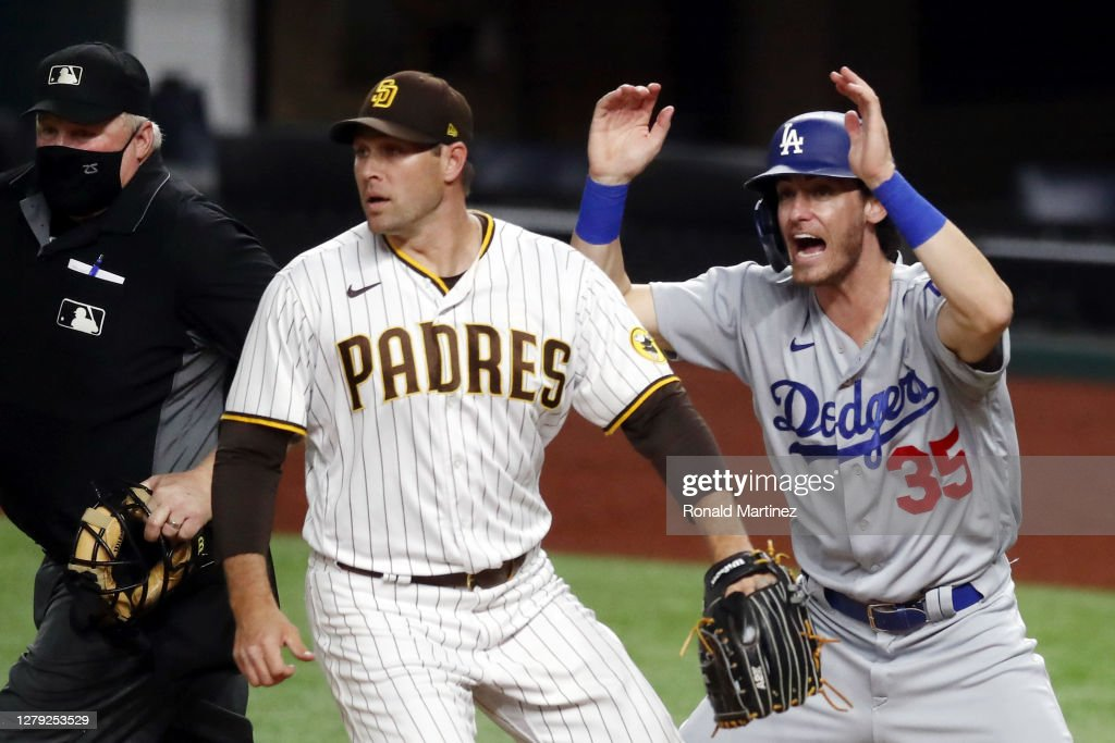 Division Series - Los Angeles Dodgers v San Diego Padres - Game Three : News Photo