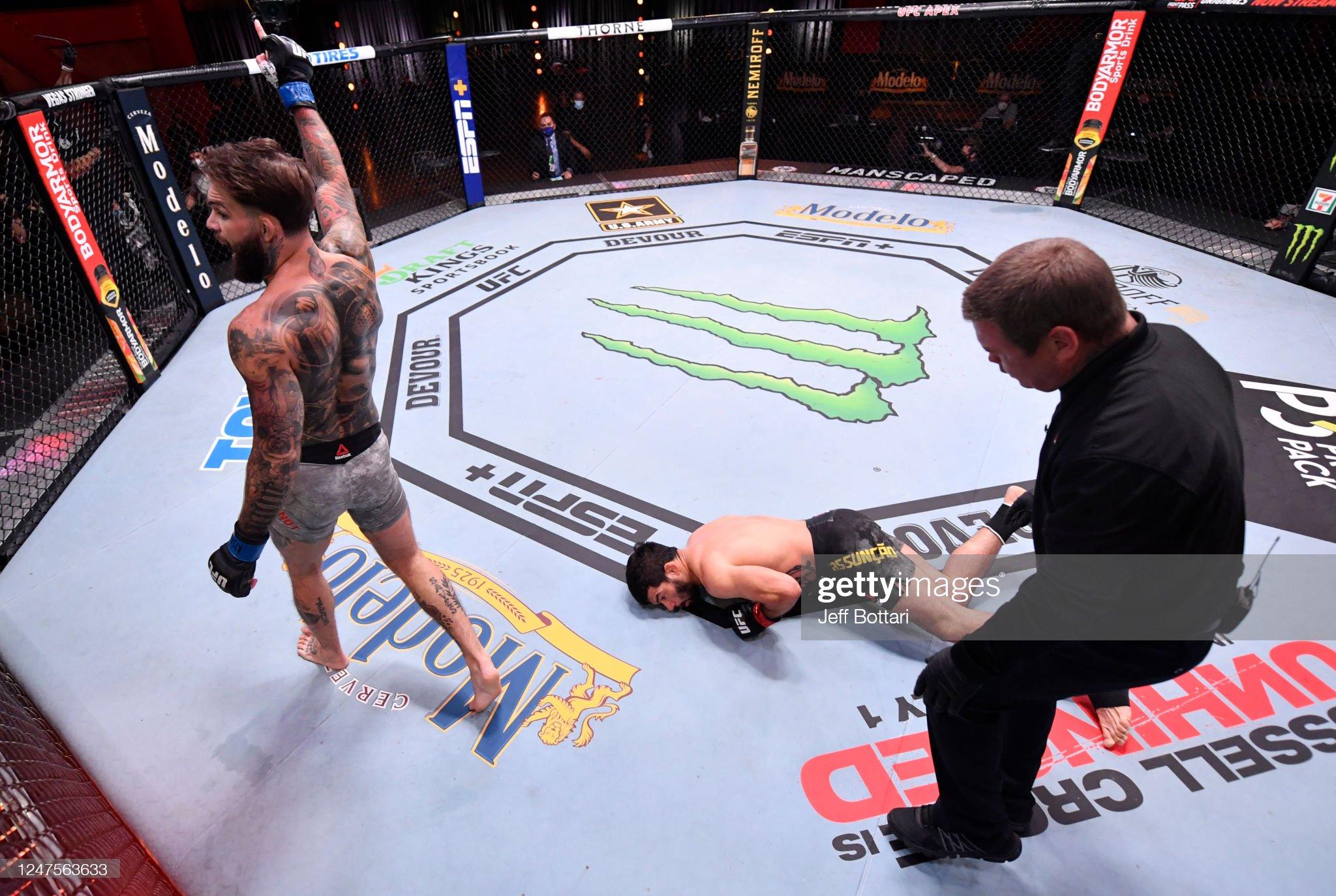 UFC 250: Assuncao v Garbrandt : News Photo