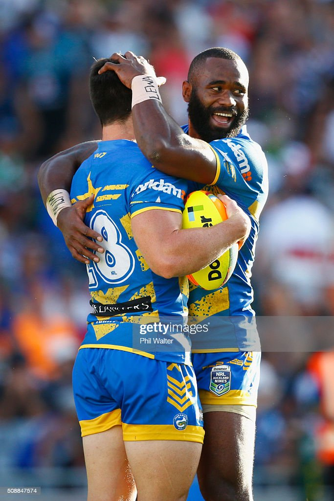 Cody Nelson of the Eels (L) is congratulated on his try by Semi Radradra (R) during the final match between the New Zealand Warriors and the Parramatta Eels at the 2016 NRL Auckland Nines at Eden Park on February 7, 2016 in Auckland, New Zealand.