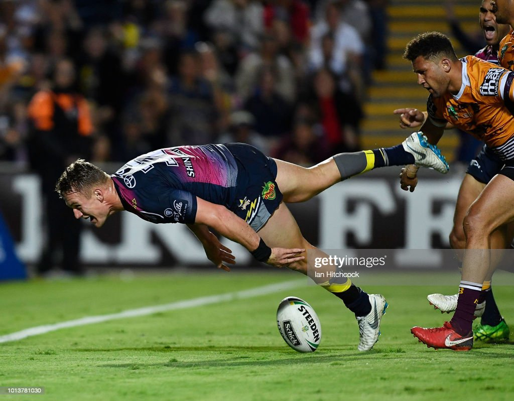 Coen Hess of the Cowboys scores a try during the round 22 NRL match between the North Queensland Cowboys and the Brisbane Broncos at 1300SMILES Stadium on August 9, 2018 in Townsville, Australia.