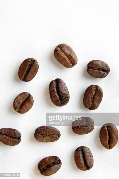 chicchi di caffè - cereale foto e immagini stock