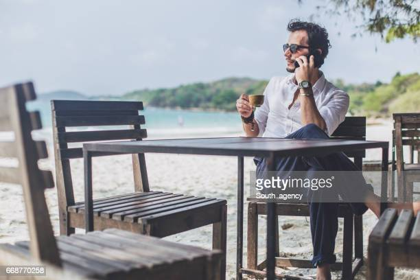 Koffiepauze op het paradijs strand