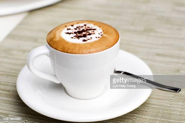 coffee break time - lyn holly coorg stockfoto's en -beelden