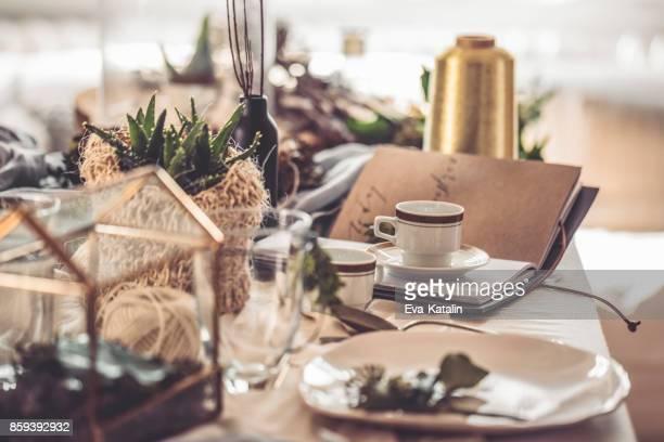 kaffee tassen - dekoration stock-fotos und bilder