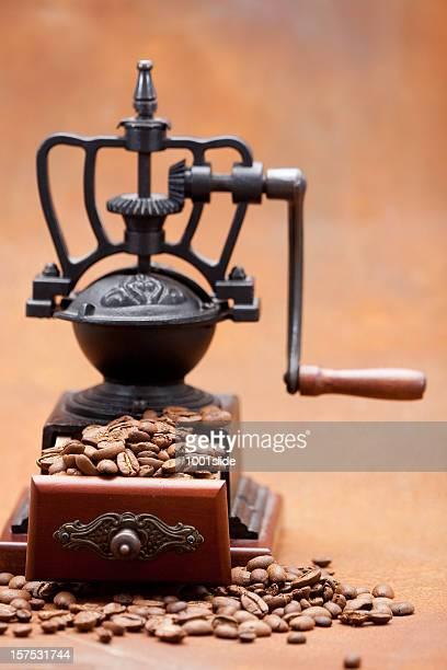 コーヒーミル: ブラウン