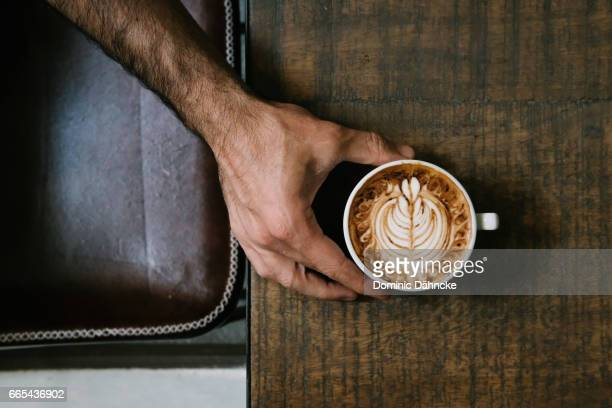 coffee latte art - taza de café stock pictures, royalty-free photos & images