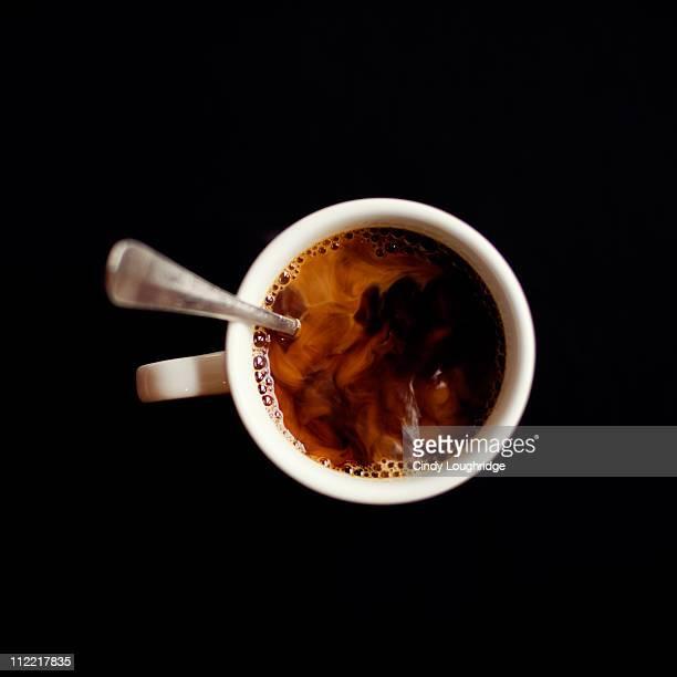 coffee on black - cuillère photos et images de collection