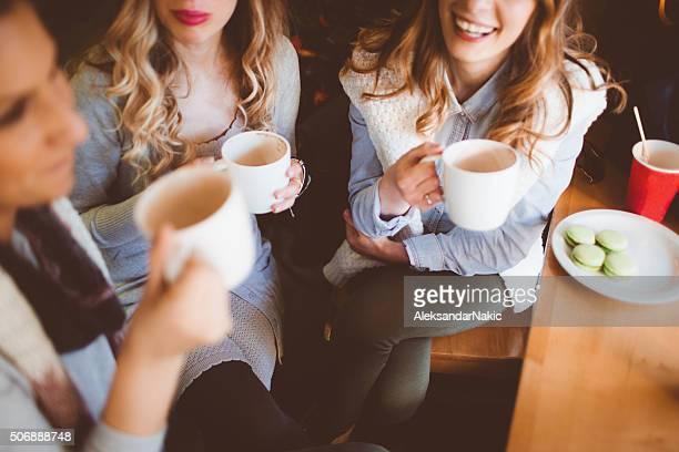 Café tiempo y novias de futbolistas