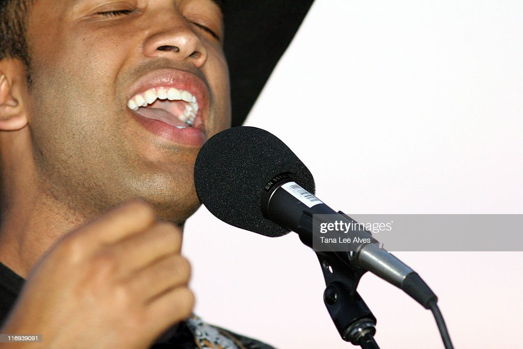 The Creative Coalition Co-hosts the Launch of Core Sessions - July 1, 2006 : News Photo