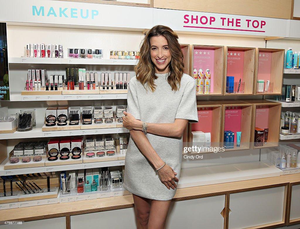 Gap + Birchbox Summer Beauty Shop Launch : News Photo