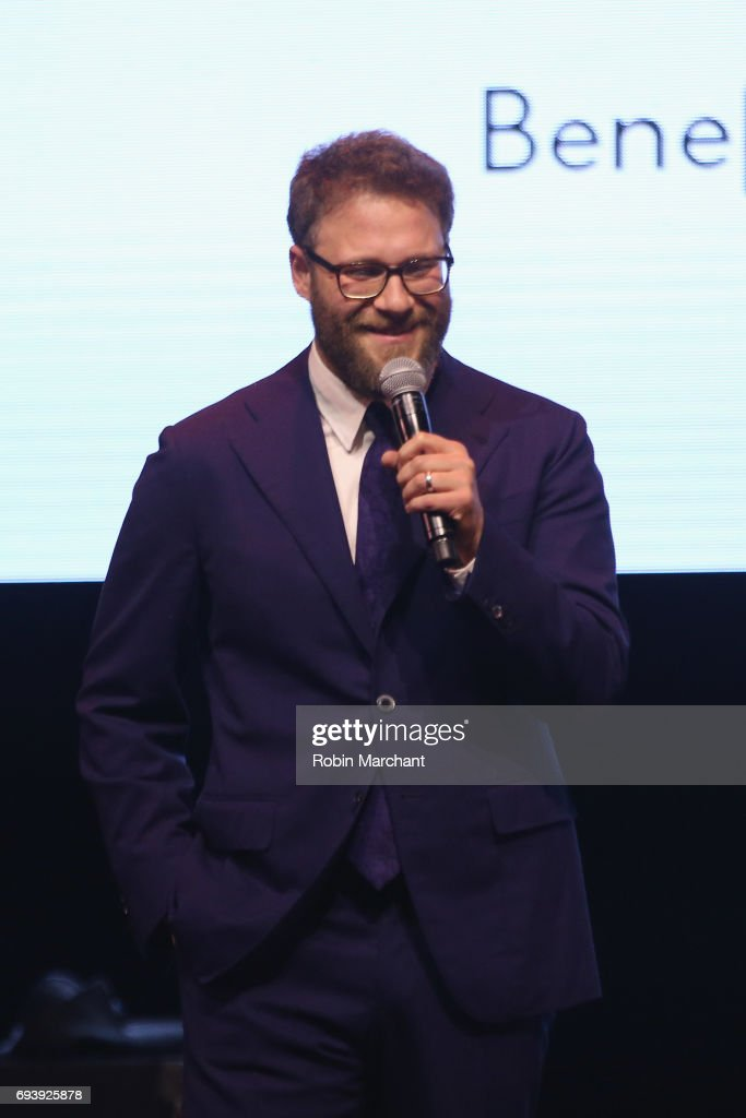 Hilarity for Charity's Third Annual New York City Variety Show : News Photo