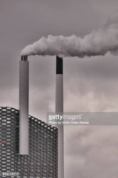 cogeneration or combined heat and power (chp), sustainable energy, copenhagen, denmark - victor ovies fotografías e imágenes de stock