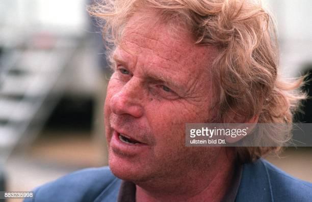 CohnBendit Daniel * Politiker Autor Die Gruenen D/ Frankreich Mitglied des Europaeischen Parlamentes seit 1994 Portrait
