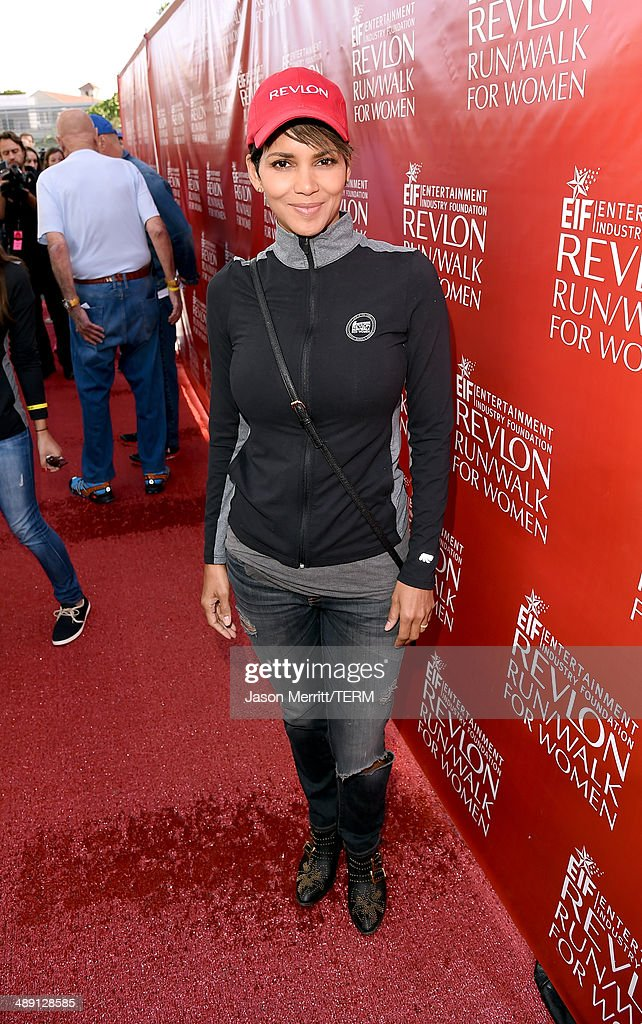 Co-Host Halle Berry attends the 21st Annual EIF Revlon Run Walk For Women on May 10, 2014 in Los Angeles, California.