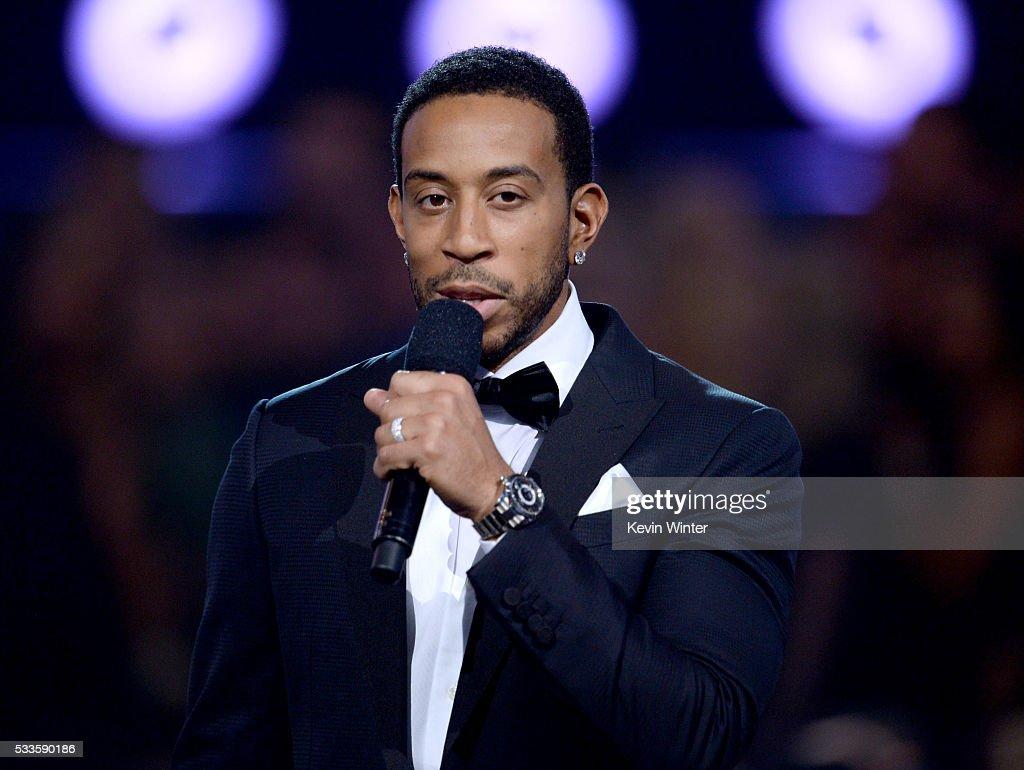 2016 Billboard Music Awards - Show : News Photo