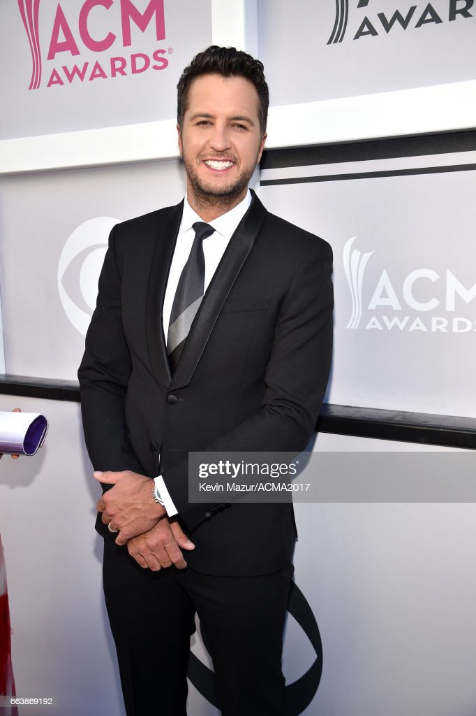 Co-host Luke Bryan attends the 52nd Academy Of Country Music Awards at Toshiba Plaza on April 2, 2017 in Las Vegas, Nevada.
