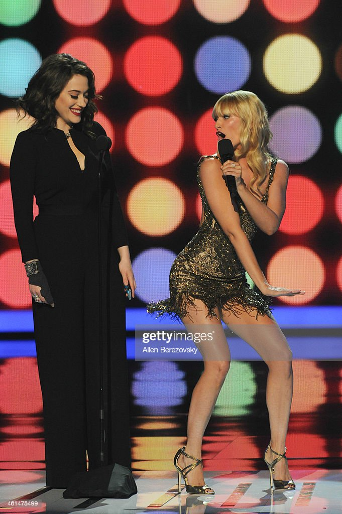 Co-hosts Kat Dennings (L) and Beth Behrs onstage at The 40th Annual People's Choice Awards show at Nokia Theatre LA Live on January 8, 2014 in Los Angeles, California.