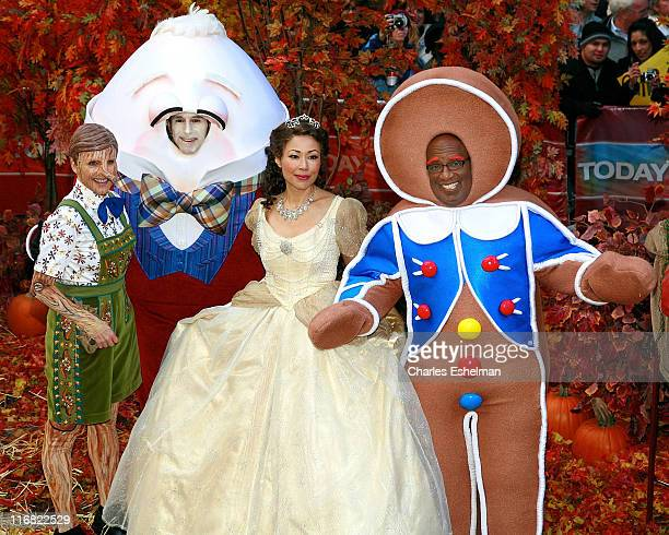 Cohosts Meredith Vieira Matt Lauer Anne Curry and Al Roker celebrate Halloween on NBC's Today at Rockefeller Plaza on October 31 2008 in New York City