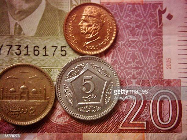 Coins and currency notes of Pakistan 2005
