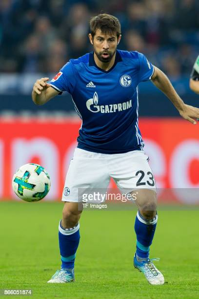 Coke of Schalke controls the ball during the Bundesliga match between FC Schalke 04 and 1 FSV Mainz 05 at VeltinsArena on October 20 2017 in...