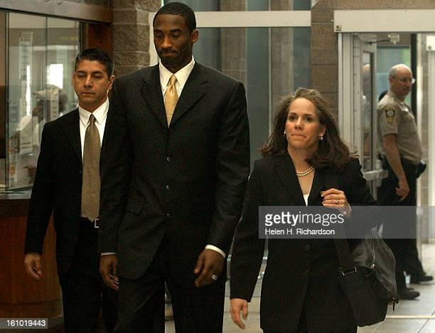 Lakers basketball star Kobe Bryant <cq> enters the Eagle County Courthouse on his way to the courtroom after lunch with his lead attorney Pamela...