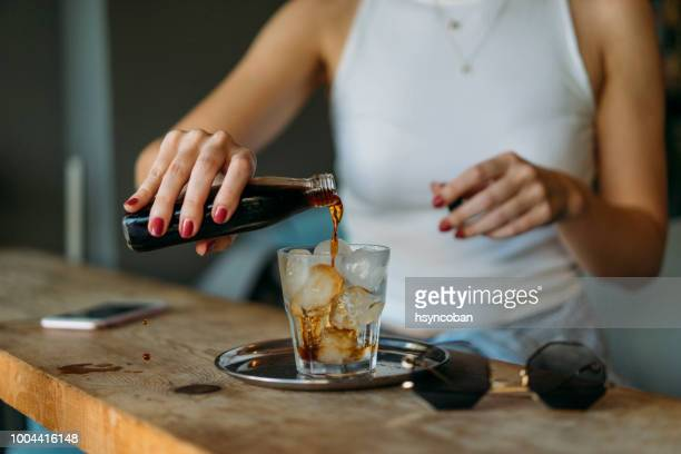 cold brew coffee - cold temperature stock pictures, royalty-free photos & images
