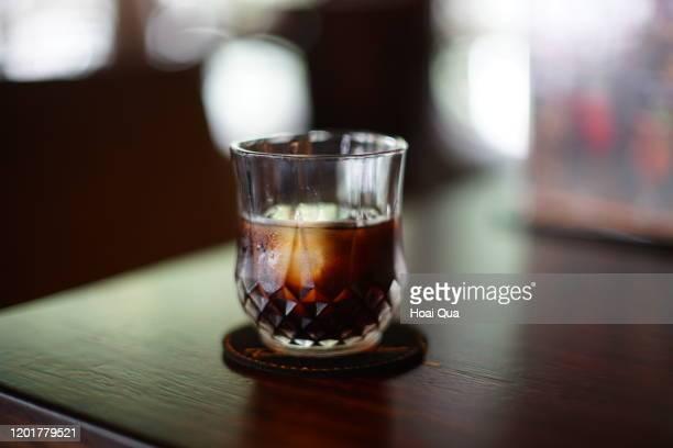 cold brew coffee - koffie drank stockfoto's en -beelden