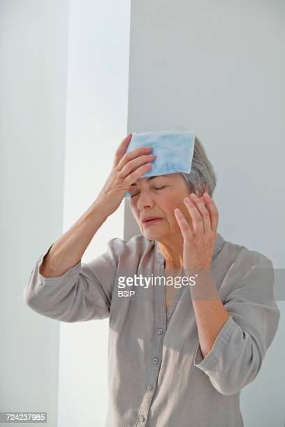 Cold therapy elderly person