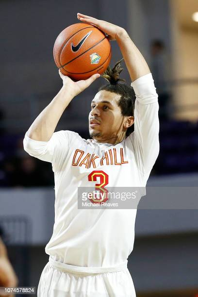 Cole Anthony of Oak Hill Academy in action against Imhotep Charter High School during the City Of Palms Classic at Suncoast Credit Union Arena on...