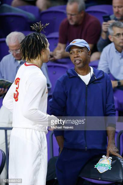 Cole Anthony of Oak Hill Academy talks with his father and former NBA player Greg Anthony after the game against Olive Branch High School during the...
