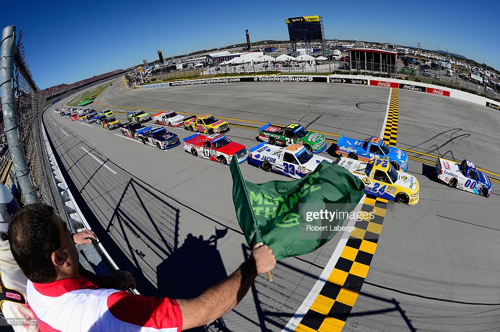 Cole Custer, driver of the #00 OneMain Chevrolet, leads the field past the green flag to start the NASCAR Camping World Truck Series fred's 250 at Talladega Superspeedway on October 22, 2016 in Talladega, Alabama.