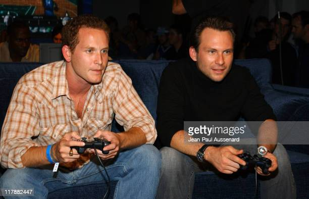 Cole Hauser and Christian Slater playing NBA ShootOut 2004