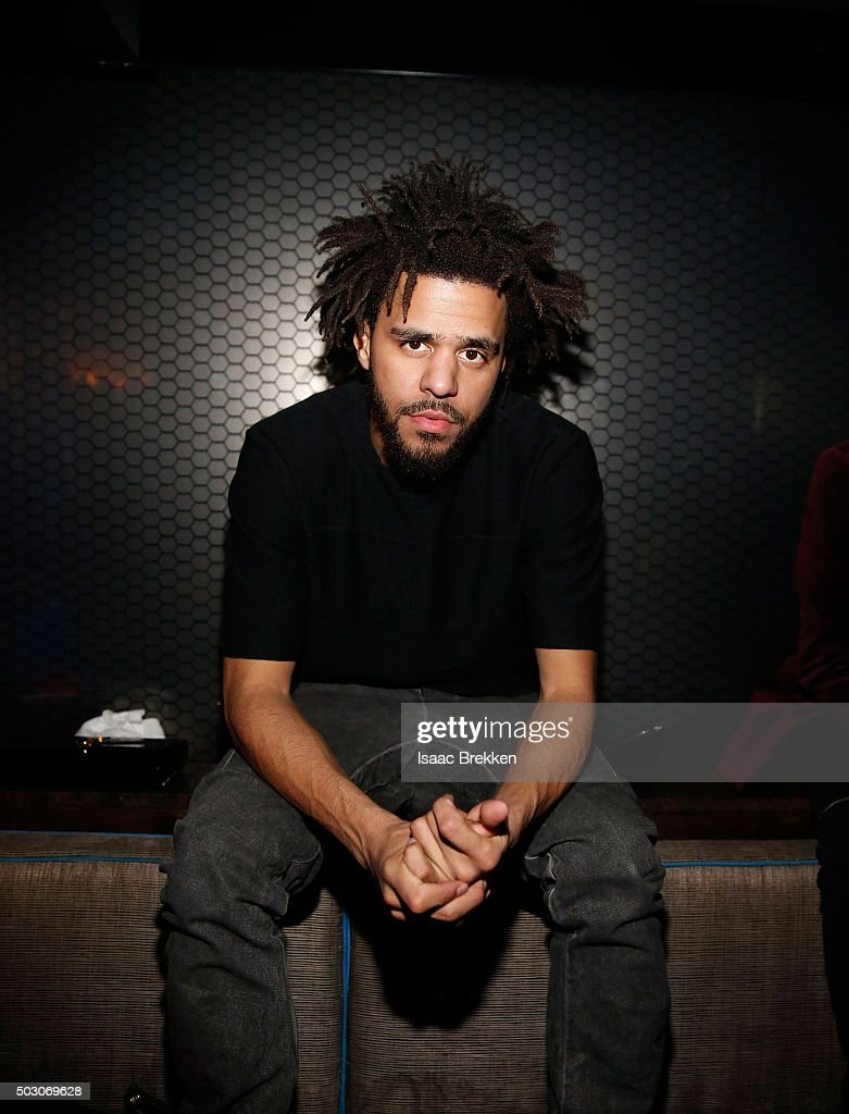 Popular Wallpaper Mac J Cole - cole-is-pictured-following-a-new-years-eve-performance-at-the-light-picture-id503069628  Photograph_153421.com/photos/cole-is-pictured-following-a-new-years-eve-performance-at-the-light-picture-id503069628