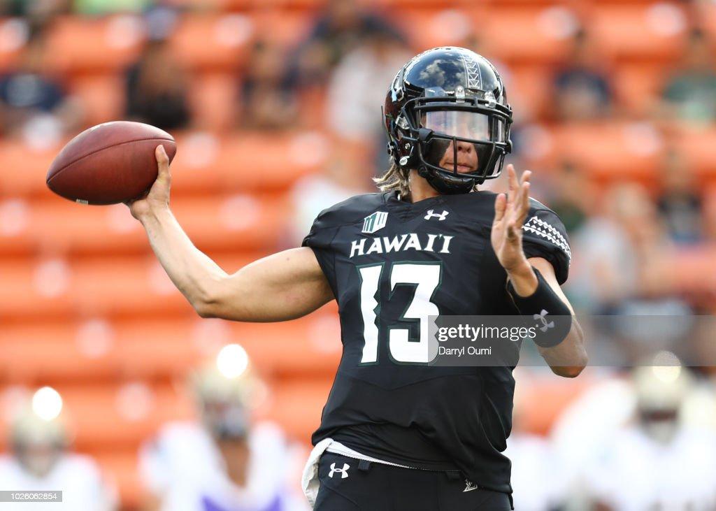 Navy v Hawaii : News Photo