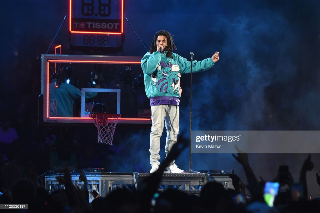Celebrities Attend The 68th NBA All-Star Game - Inside : News Photo